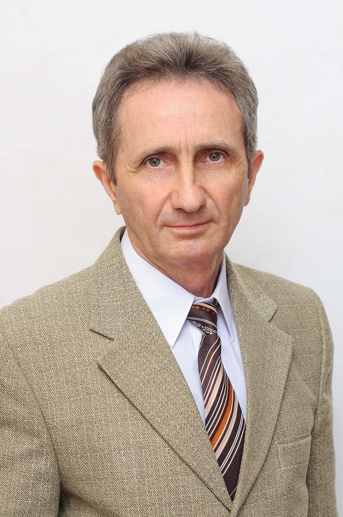Караев